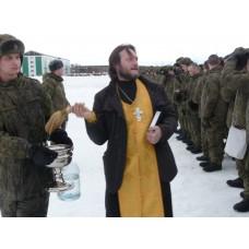 25 февраля 2017. Священник благословил воинов перед учениями.